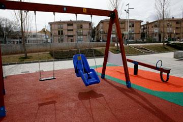 Este lunes, el Psoe de Almassora presentará una moción para que se instalen columpios y juegos infantiles adaptados a los niños con discapacidad limitada en diferentes zonas de juegos infantiles de la población